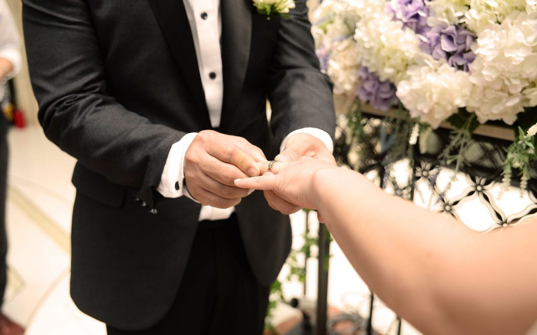 Do you know the option to marry or get civilly united in front of a notary?